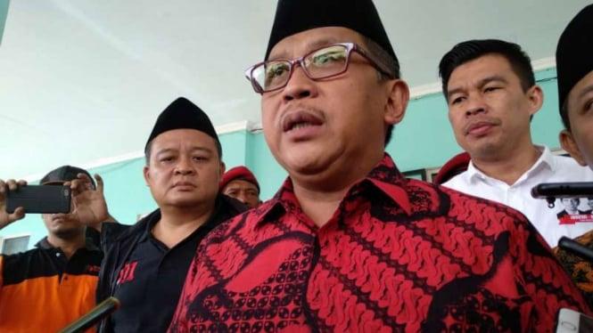 Sekretaris TKN Joko Widodo-KH Maruf Amin, Hasto Kristiyanto