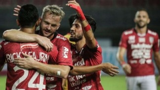 https://thumb.viva.co.id/media/frontend/thumbs3/2019/03/03/5c7bcf5340a61-pemain-bali-united-rayakan-gol_325_183.jpg
