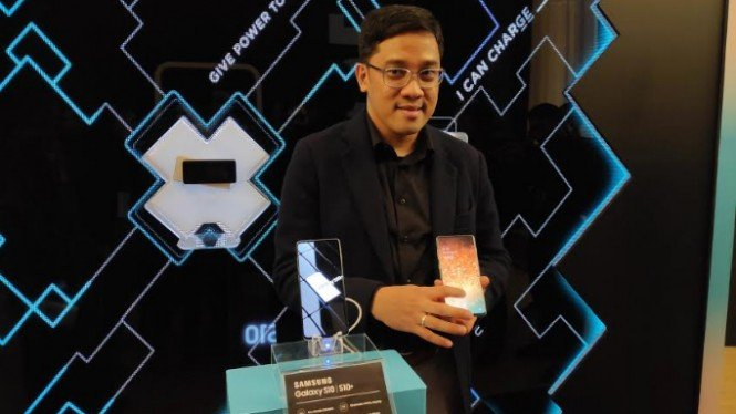 Head of IT and Mobile Marketing Samsung Electronics Indonesia, Denny Galant