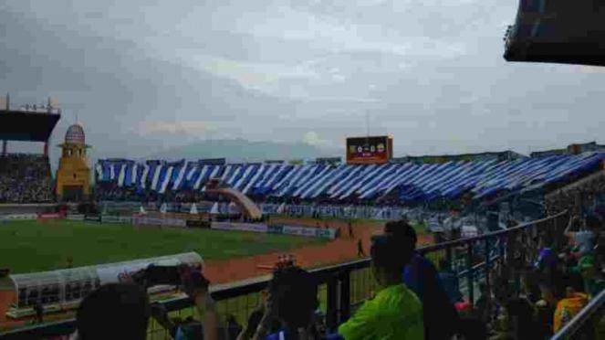 Stadion Si Jalak Harupat, Bandung.
