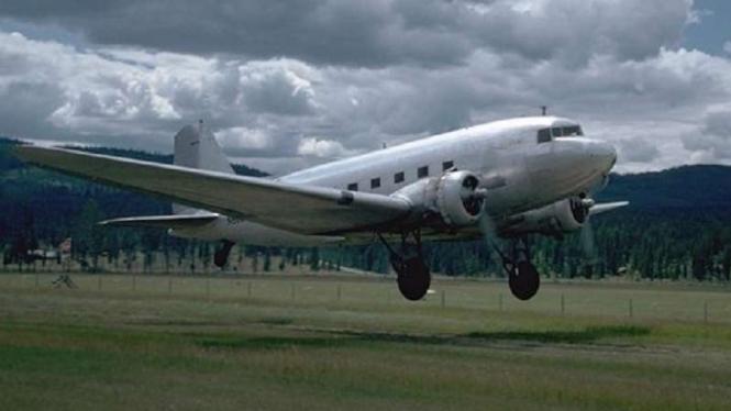 Ilustrasi Pesawat Douglas DC-3