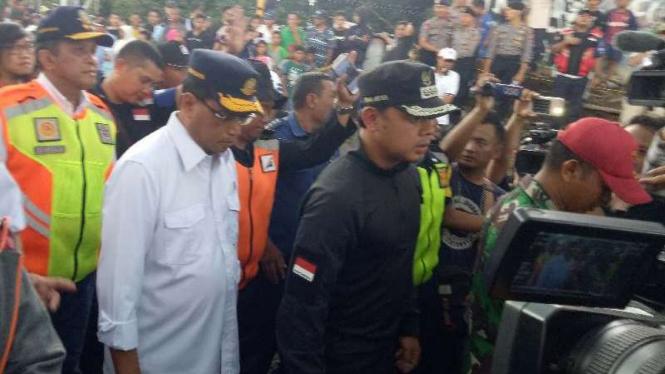Menteri Perhubungan Budi Karya Sumadi bersama Wali Kota Bogor Bima Arya.