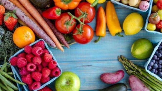 Ilustrasi buah dan sayur.