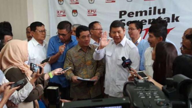 Hashim Djojohadikusumo melaporkan ke KPU terkait temuan DPT yang tidak wajar.