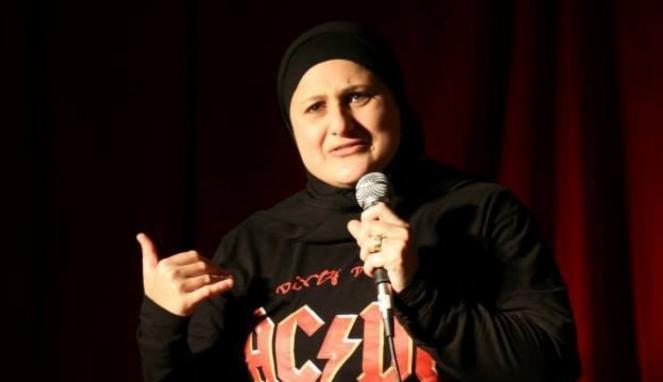 https://thumb.viva.co.id/media/frontend/thumbs3/2019/03/12/5c874b4b4c72e-frida-deguise-komedian-berhijab-australia-yang-pernah-dianggap-teroris_663_382.jpg