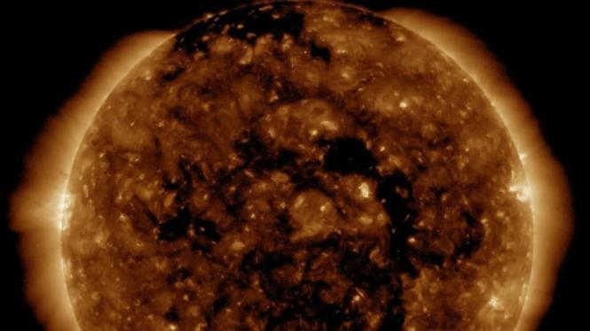 Lubang korona di ekuator Matahari.