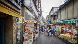 https://thumb.viva.co.id/media/frontend/thumbs3/2019/03/15/5c8b198fe3653-10-destinasi-wisata-terpopuler-di-korea-selatan_325_183.jpg