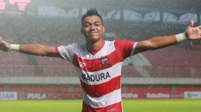 Pemain Madura United, Alfath Fathier.