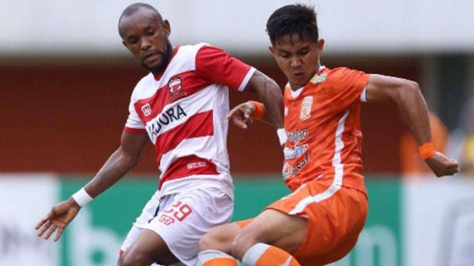 Duel Madura United vs Borneo FC di Piala Presiden 2019.