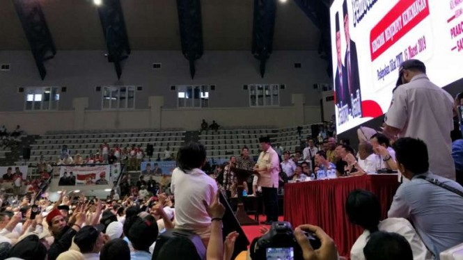 Prabowo Subianto di acara pembekalan relawan di TMII