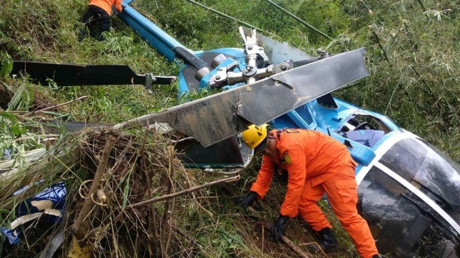 Helikopter yang jatuh di Tasikmalaya.