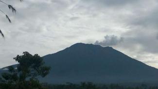 Gunung Agung kembali erupsi