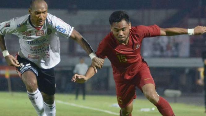 Duel Timnas Indonesia U-23 vs Bali United.