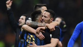 Pemain Inter Milan merayakan kemenangan atas AC Milan
