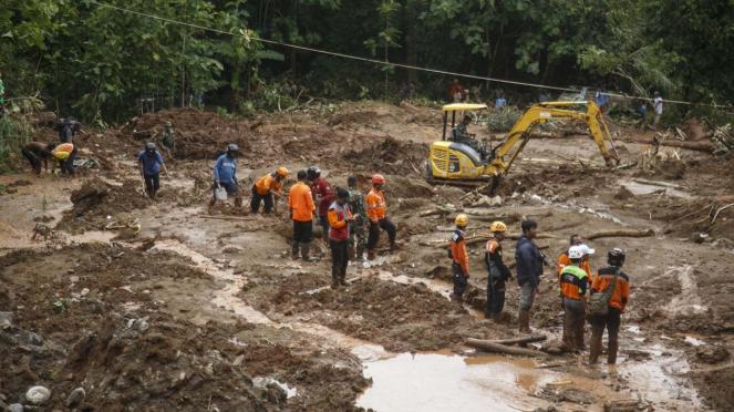 Pencarian Korban Tanah Longsor di Bantul