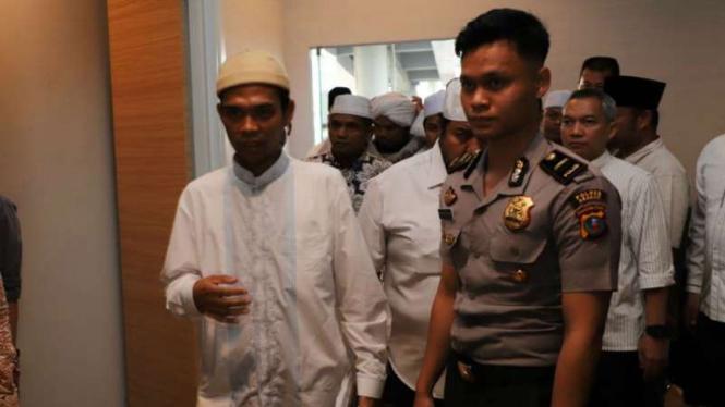 Ustaz Abdul Somad di Bandara Kualanamu, Sumut