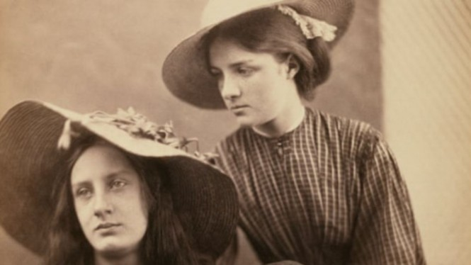 Summer Days oleh Julia Margaret Cameron
