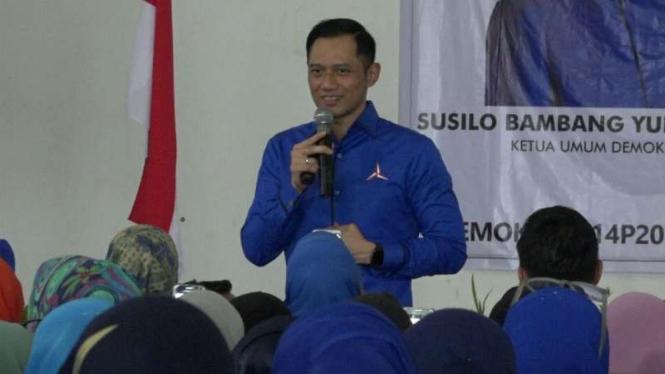 Agus Yudhoyono saat berada di Sumbar