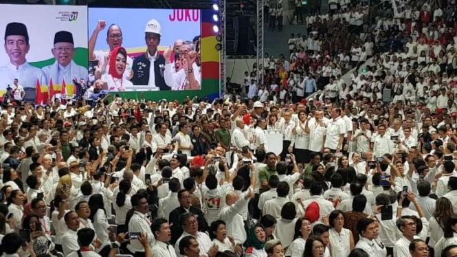 Calon presiden Joko Widodo saat menghadiri deklarasi dukungan 10.000 Pengusaha Pekerja Pro-Jokowi di Istora Senayan, Jakarta, Kamis malam, 21 Maret 2019.