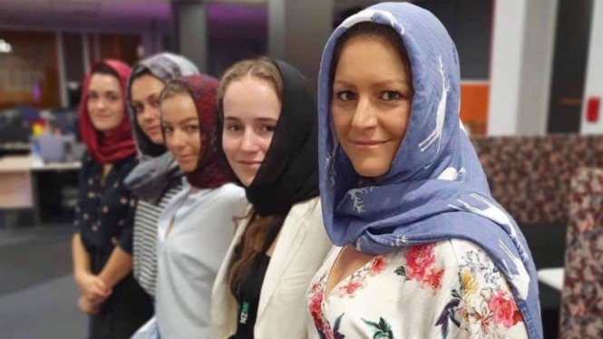 Aksi solidaritas warga Selandia Baru untuk mendukung umat muslim.