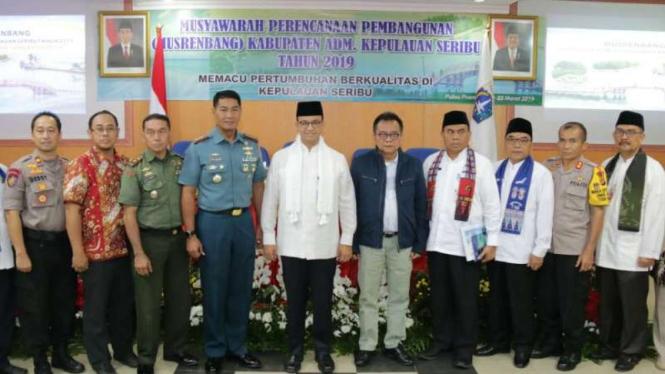 Gubernur Provinsi DKI Jakarta Anies Baswedan di Kepulauan Seribu.