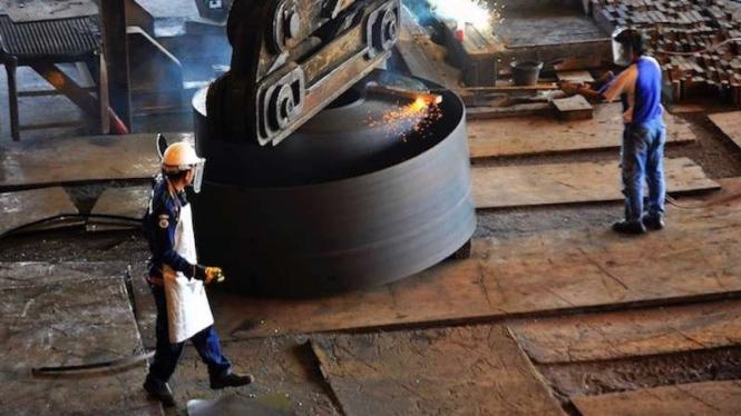 Suasana pabrik Krakatau Steel di Cilegon Banten