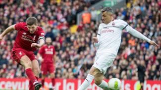 Steven Gerrard dalam duel Liverpool Legends vs Milan Glorie.