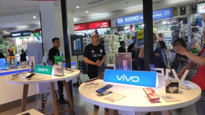 Persaingan ketat Oppo Vs Vivo