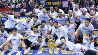 Selebrasi klub Stapac Jakarta usai merengkuh gelar IBL 2018/2019