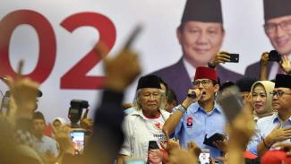 Calon Wakil Presiden nomor urut 02 Sandiaga Uno saat kampanye di Jakarta Utara