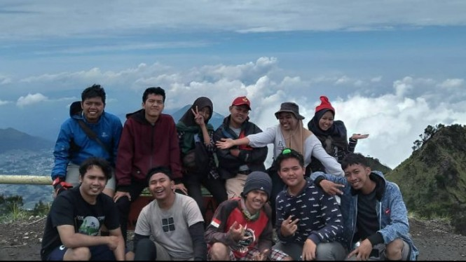 Puncak Gunung Merbabu.