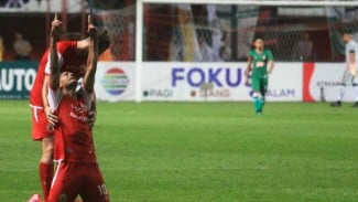 Pemain Persija Jakarta, Bruno Matos, rayakan gol.