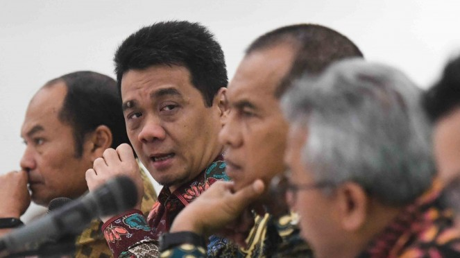 Ketua DPP Gerindra sekaligus Wakil Ketua Komisi II DPR RI, Ahmad Riza Patria (kedua kiri)