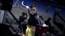 https://thumb.viva.co.id/media/frontend/thumbs3/2019/04/01/5ca19668e94a1-pencak-silat_213_120.jpg