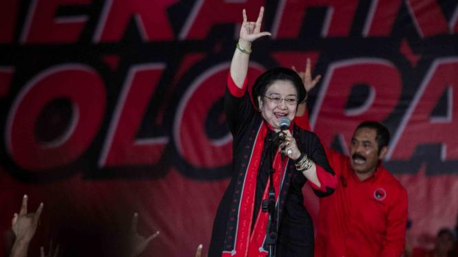 Ketua Umum PDI Perjuangan Megawati Soekarno Putri berorasi pada kampanye terbuka dan rapat umum