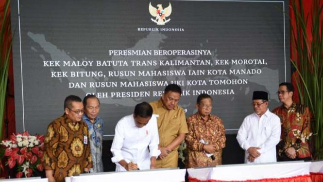 Jokowi resmikan tiga Kawasan ekonomi khusus di Timur Indonesia.