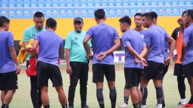 Para pemain Sriwijaya FC berlatih.