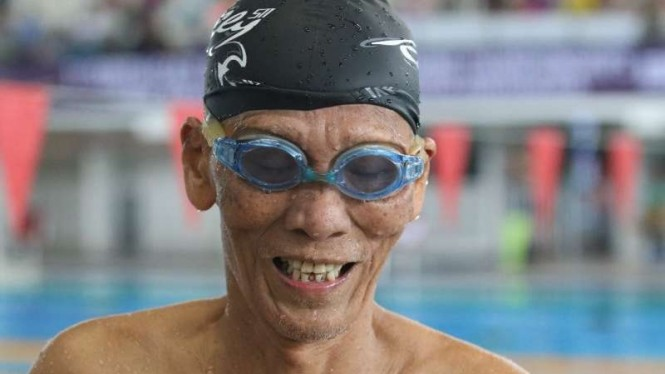 Perenang dari Vietnam bernama Vu Nga berusia 91 tahun