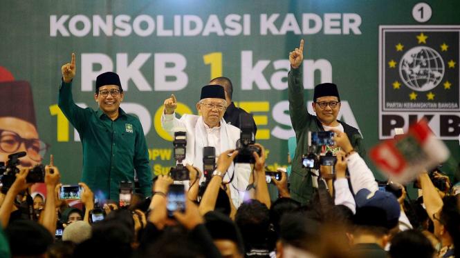 Ketum PKB Cak Imin (kanan) bersama cawapres Maruf Amin