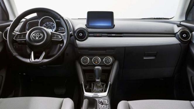 Interior Toyota Yaris hatchback edisi 2020