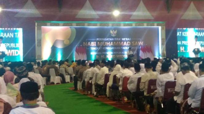 Presiden Joko Widodo dalam forum peringatan Isra Mikraj di GOR Pandawa, Sukoharjo, Jawa Tengah, Rabu malam, 3 April 2019.