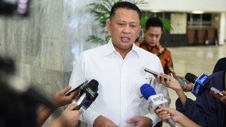 https://thumb.viva.co.id/media/frontend/thumbs3/2019/04/04/5ca5b27d5afcd-ketua-dpr-ri-bambang-soesatyo-ketua-dpr-ri-bambang-soesatyo_325_183.jpg