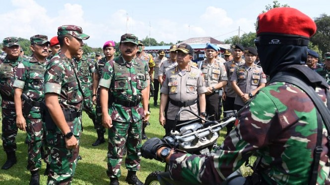 Panglima TNI Marsekal TNI Hadi Tjahjanto, S.I.P., bersama Kapolri Jenderal Pol M.Tito Karnavian.