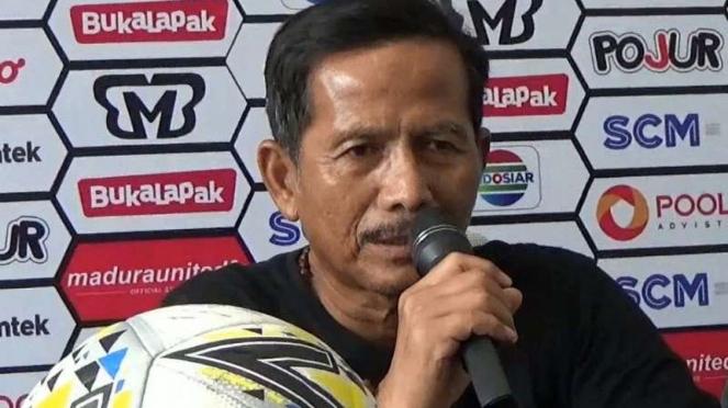 Pelatih Persebaya Surabaya, Djadjang Nurdjaman.