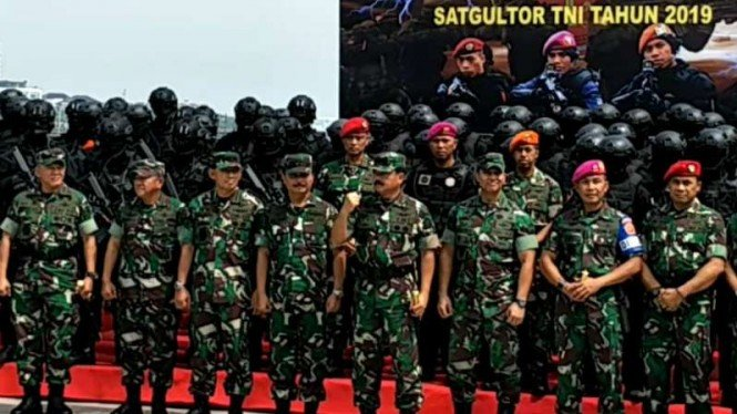 Panglima TNI Marsekal Hadi Tjahjanto usai menyaksikan Latihan Satuan Penanggulangan Teror TNI di Jakarta, Selasa, 9 April 2019.