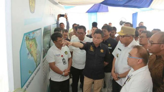 Menteri ESDM Ignasius Jonan resmikan tiga proyek listrik di Aceh.