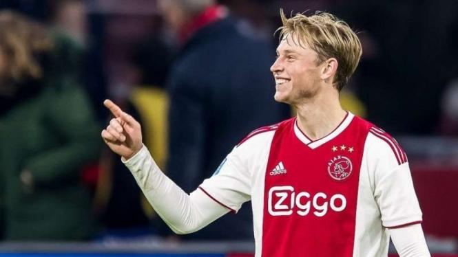 Eks Gelandang Ajax Amsterdam, Frenkie de Jong