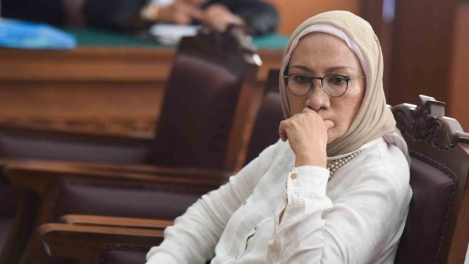 Terdakwa kasus dugaan penyebaran berita bohong atau hoaks Ratna Sarumpaet bersiap mengikuti sidang lanjutan di PN Jakarta Selatan, Kamis, 11 April 2019.