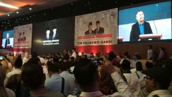 Dahlan Iskan, menyatakan dukungan kepada  Prabowo Subianto-Sandiaga Uno.