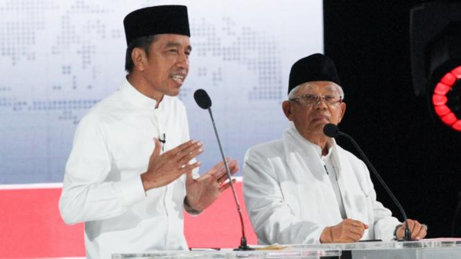 Pasangan Jokowi-Ma'ruf Amin saat debat kelima Pilpres  2019